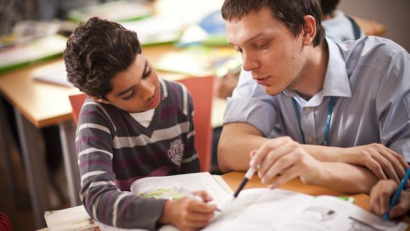 Summer courses to teach English for young kids